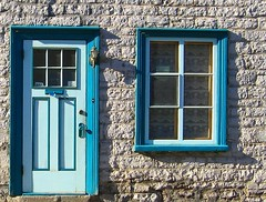Ancienne maison - Old House (Denyse Bchard) Tags: door autumn house canada window architecture automne explore qubec porte maison fentre villedequbec ruesaintvallier capitalenationale