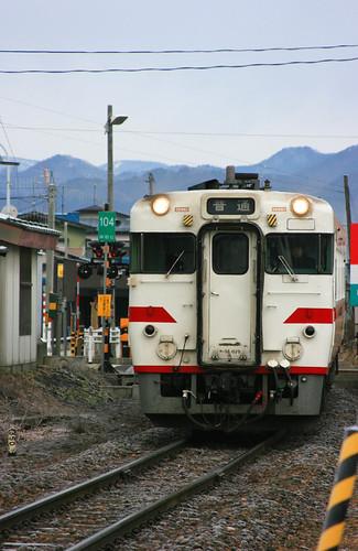 Hanawa-line train 01