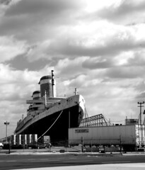 SS United States (podolux) Tags: blackandwhite philadelphia docks nikon ship waterfront pennsylvania pa philly nikkor mycity oceanliner southphiladelphia phila southphilly cityofbrotherlylove d80 ssunitedstates 18135mm cityofphiladelphia