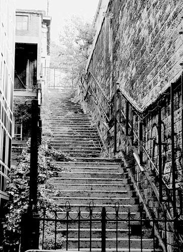 S e r i e s escaliers noir et blanc - Escalier noir et blanc ...