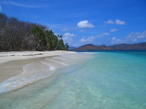 the beautiful water of Gili Nanggu