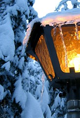 joulukuu5 2005 045b (Fantasyfan.) Tags: blue winter light snow ice topf25 lamp yellow topv111 tag3 taggedout rural topv555 topv333 warm tag2 tag1 topv1111 topv999 machinery topv777 fantasyfanin 30faves30comments300views gettyholidays2010 siirretty