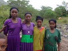 Wohaita girls (CharlesFred) Tags: africa expedition nature river october african south 2006 rafting remote ethiopia omo omoriver southernethiopia raftingexpedition remoteriver remoteriverexpeditions
