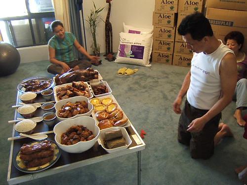 cnyeve-lunch-prayer-table2