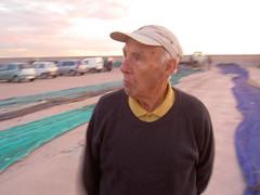 Fisherman (Mr.Poderoso) Tags: barcelona red mar fisherman bcn catalonia catalunya pescado hombre cataluña yayo pescador abuelo redes pescar mataro poderoso lobodemar mrpoderoso hombredelsaco