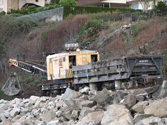 Clamshell (Stones 55) Tags: railroad washington railcar bnsf tender clamshell edmonds brownsbay rollingstock railroadcar burlingtonnorthernsantafe