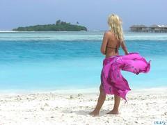 Atoll (marypink) Tags: winter vacation woman beach me topf25 beautiful awesome maldives photooftheday abigfave ilikethisphoto p1f1 anyhdranyphotoshop anyhdranyps aplusphoto 10jan2007 invitedphotosonlyahap