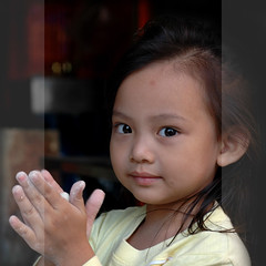 Cooking cuty (Yorick...) Tags: portrait cute square thailand kid yorick 50mmf18d theface mywinners artlibre renaudvince