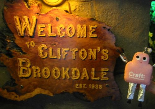 Pink Craftie visits Clifton's Cafeteria