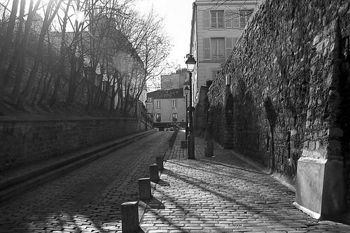 Street_@_Montmartre,_Paris_