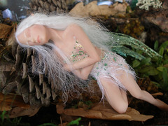 #34 Irina ~ Sleeping Fairy (Nenfar Blanco) Tags: sleeping sculpture art fairytale miniature doll arte handmade ooak fairy fantasy clay figurine creature mythology faerie hada fae fada polymer dormida nenufarblanco