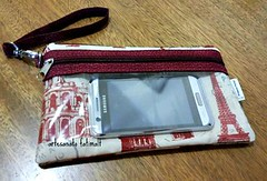 necessaire e porta celular (fatimalt) Tags: tecido plástico necessaire celular