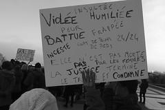 _DSF8362 (sergedignazio) Tags: france paris trocadéro tour eiffel street photography photographie rue fuji xpro2 manifestation rassemblement fenmen jacqueline sauvage justice prison