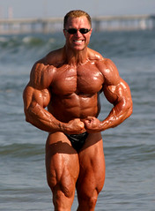 Gary Strydom 2006 Venice Beach CA (99) (Pete90291) Tags: pecs muscles arms muscular chest bodybuilder biceps abs quads musclemen ifbbpro probodybuilder garystrydom ifbbbodybuilder professionalbodybuilder