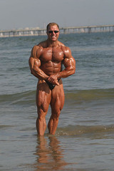 Gary Strydom 2006 Venice Beach CA (100) (Pete90291) Tags: pecs muscles arms muscular chest bodybuilder biceps abs quads musclemen ifbbpro probodybuilder garystrydom ifbbbodybuilder professionalbodybuilder