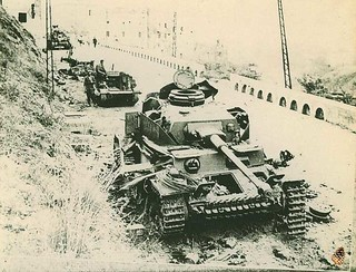 TP.124 - Panzer IV destroyed and a British Universal Carrier behind.