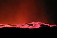 Lava Flow into Valle del Bove, Etna (Thomas Reichart ) Tags: italien hot wow flow volcano lava glow 2006 ash column etna eruption vulkan sizilien lavaflow tna valledelbove ausbruch