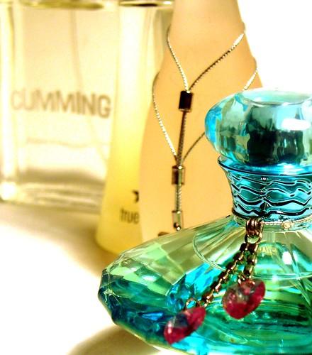 Nước hoa (dầu thơm) được phân loại như thế nào?