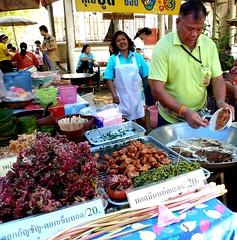 Flowers and vegetables fried shop.ผักและดอกไม้ทอดกรอบ