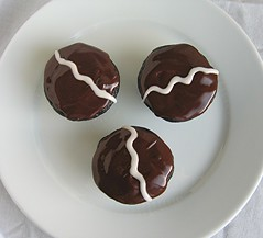 chocolate espresso cupcake squiggle
