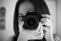 My New Toy! (anita gt) Tags: camera portrait bw selfportrait me canon eos rebel ana retrato yo autoretrato bn io camara prettygirl xti 400d canoneos400d canoneosrebelxti