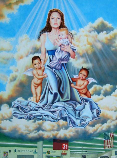 Angelina Jolie como la virgen María