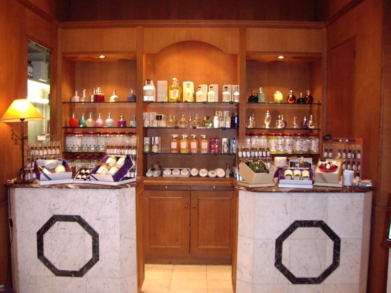 Parfums de Nicolai Interior.JPG