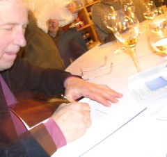 Gord signs Turin art book
