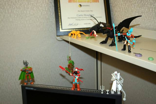 Stikfas On Desk