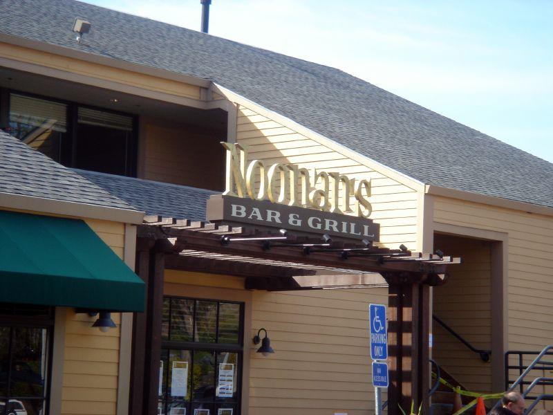 Noonan's Bar & Grill