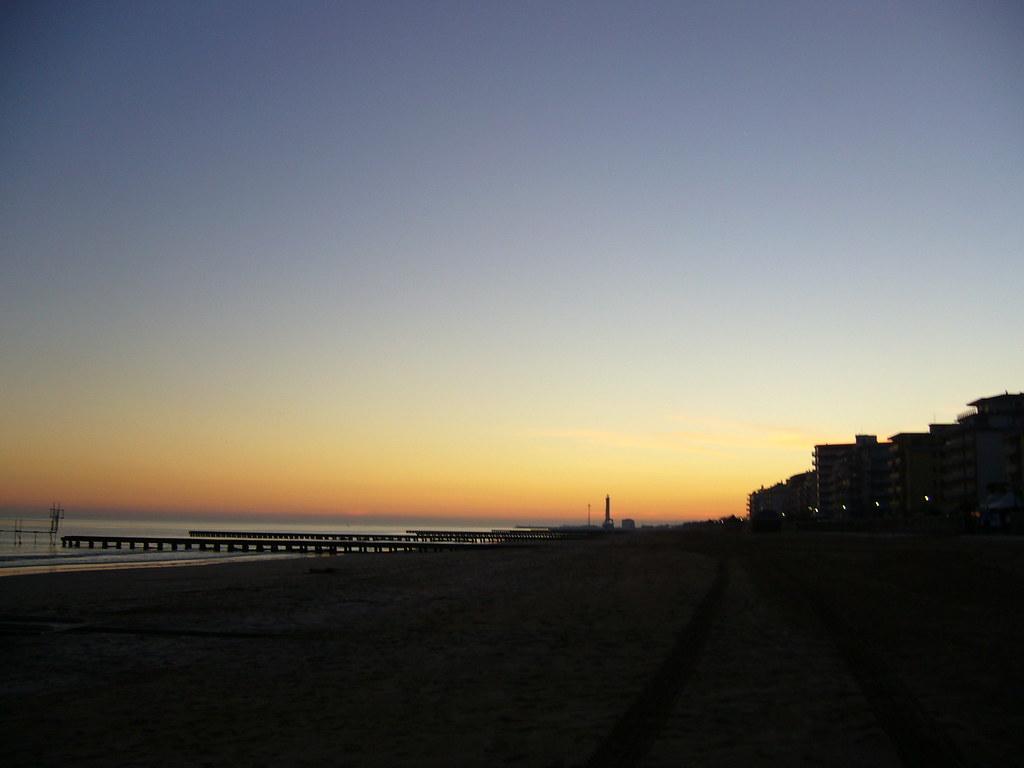Jesolo tengerpart, naplemente