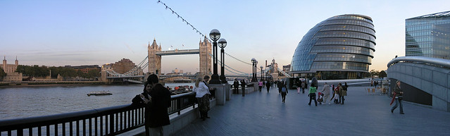 London - panorama to the Tower bridge