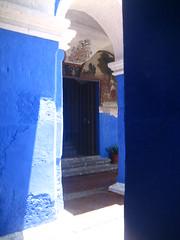 SH 173 (suzienewshoes) Tags: summer peru southamerica 2006 nun nuns convent arequipa santacatalina monasteria
