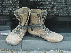 """I Grieve"" (_Robert C_) Tags: soldier death washingtondc war explore mavica thewall grief vietnamveteransmemorial panel20w objectsleftatthewall robertcatalano"