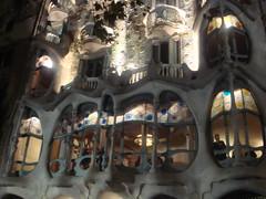 Casa Batll at night (Rachel Says Hi) Tags: barcelona casabatllo casabatll