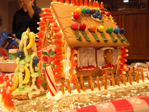 Rainbowy Gingerbread House by Robozippy.