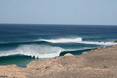 Offshorespray La Pared (simdathun) Tags: beach meer wasser surf offshore fuerteventura wave spray grn wellen klippen lapared