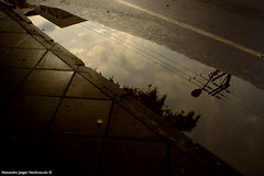DSC08639 (Ale J. Ven.) Tags: city cidade abstract reflection water rain postes sony cotidiano chuva citylife cybershot poles abstrato reflexos gua dscp31 serie8