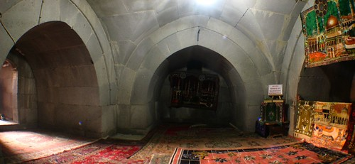 Prayer room at the Cifte Minareli Medrese (Double Minaret) in Erzurum, Turkey / チフテ ミナールでの祈りの場(トルコ、エスルム市)