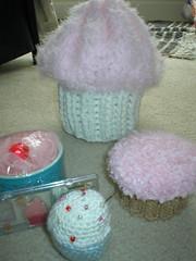 cupcake swap by: Wayfarer (sketchedsoul) Tags: muslimah wayfarer mashaallah cupcakepincushion cupcakebag cupcakebox cupcakelipgloss