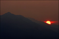Grace (_Jezza_) Tags: sunset red sun canada mountains yellow canon bc purcell kootenay