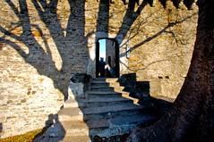 ombra sul castello (mbeo) Tags: shadow schweiz switzerland ticino foto suisse ombra explore photograph bellinzona svizzera castellodimezzo mbeo touraroundtheworld nikonswitzerland