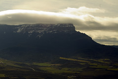 Peña Oroel ( iván mestre Jiménez) Tags: huesca paisaje aragon montaña montain jaca pirineo peñaoroel