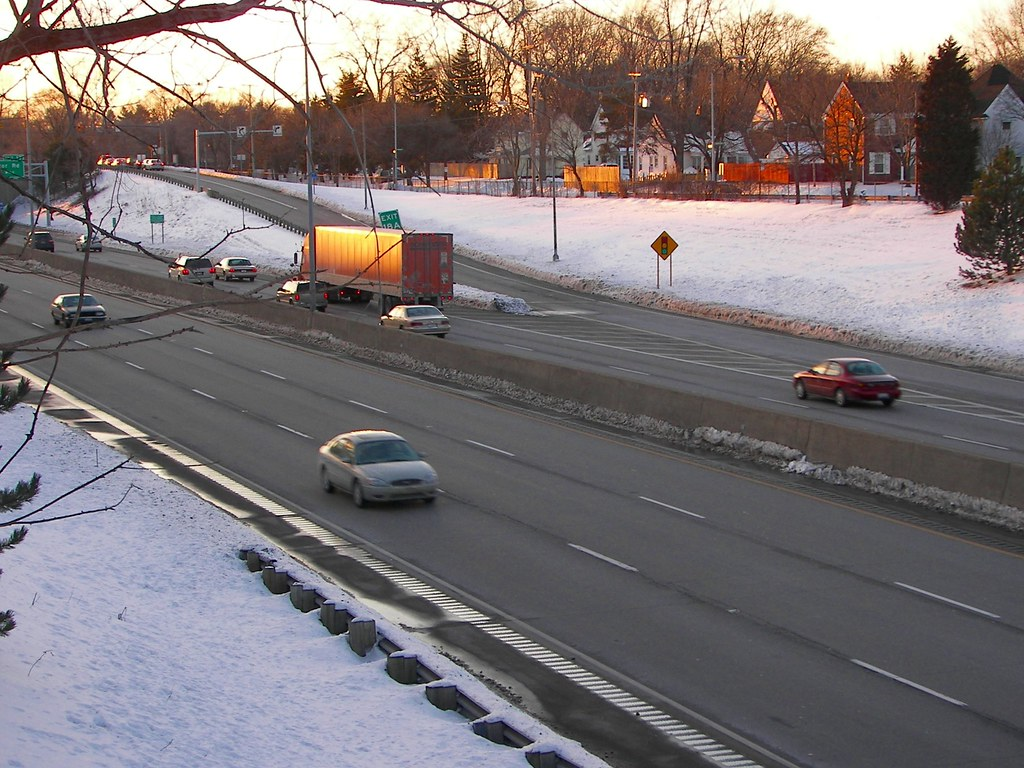 I-475 freeway in Toledo, Ohio as seen from the Bowen Street overpass