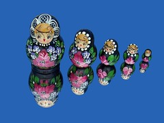 Matryoshkas (Cheap Camera Tricks) Tags: pink blue black reflection face wow colorful europe dolls painted traditional russian matryoshka nestingdolls flowered babushkadoll matroschkas brpblue