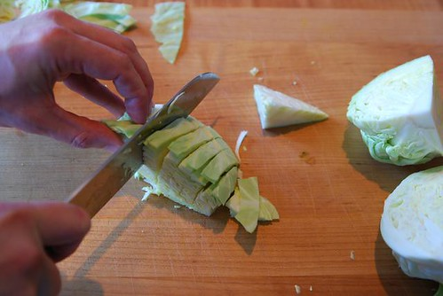 slicing cabbage - cookthink