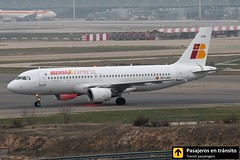 Airbus A320 Iberia Express (Ana & Juan) Tags: airplane airplanes aircraft airport aviation aviones airbus aviación a320 iberia iberiaexpress taxiing madrid mad madridbarajas barajas lemd spotting spotters spotter canon closeup fog foggy planes