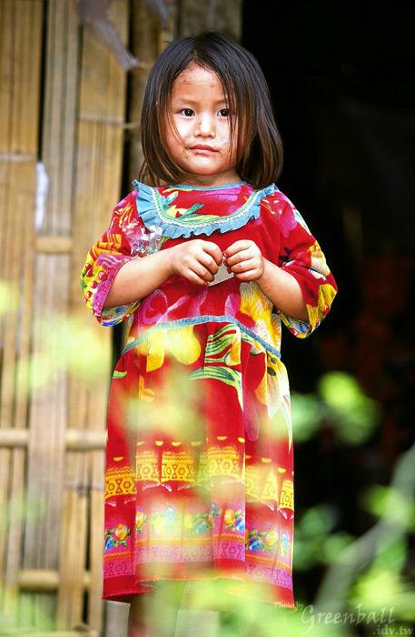 小村落的少數民族孩童