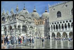 Basilica de San Marco - Palazzo Ducale (gerd.evermann) Tags: italien venice italy water italia dynax7d maxxum7d 7d dynax venezia venedig hdr highdynamicrange d7d 3xp hdrsingleraw