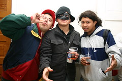 Halloween (fotoflow / Oscar Arriola) Tags: costumes party house chicago halloween costume nick ivan 2006 rudy